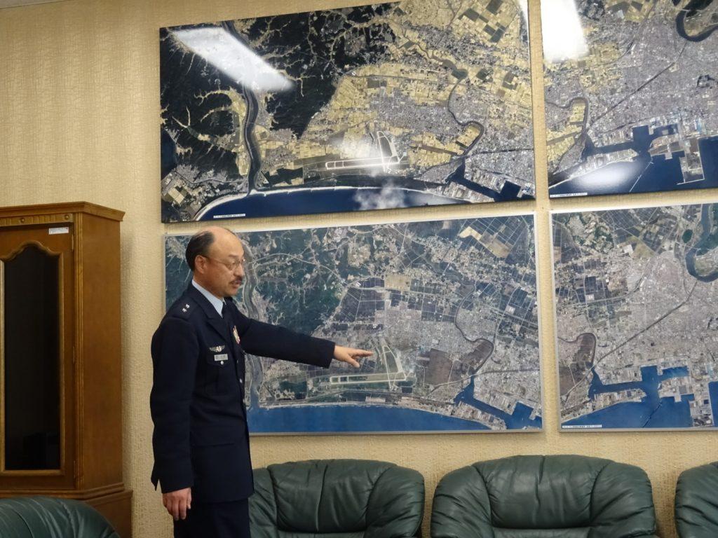 東日本大震災時と現在の基地を取り巻く環境を時藤司令自らご説明してくださいました。