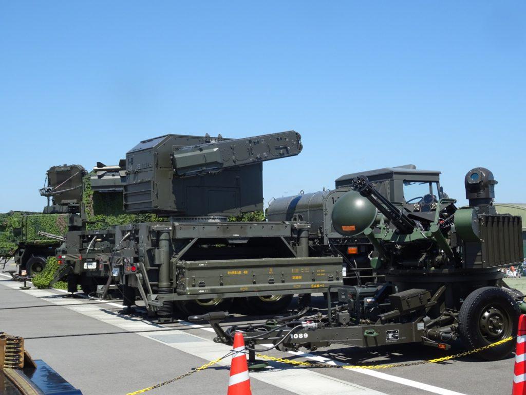 対空兵器なども一般公開され、試乗には多くの来場者が列になり記念写真を撮影する姿が見られた。